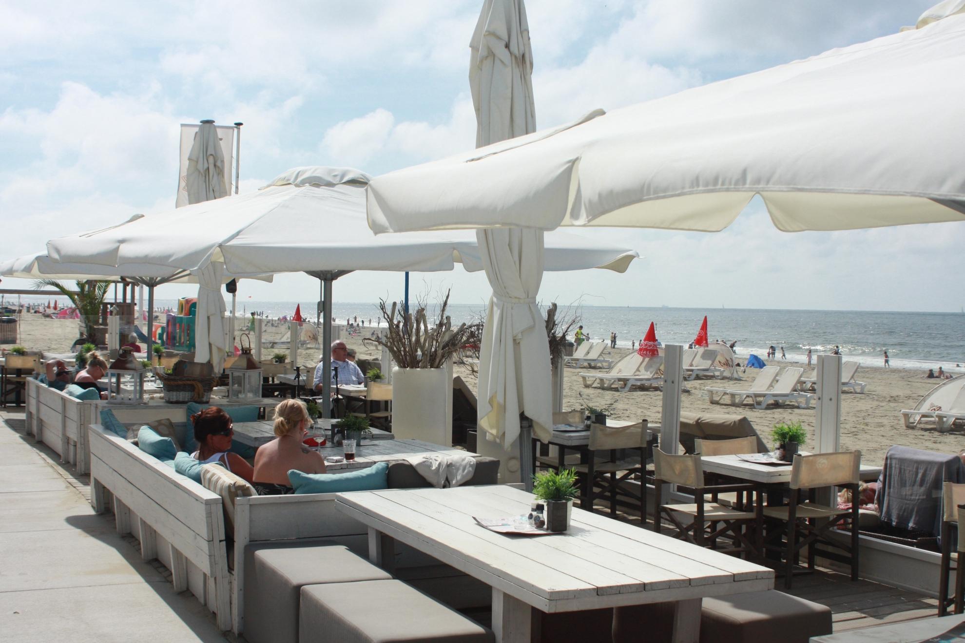 5 beachclub titus terras op het strand van kijkduin 73869 icon 1980x1320 - Parasol Karin 300x300