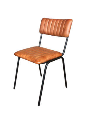 De stoel Maxim is stapelbaar